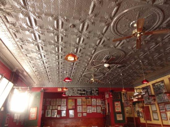 The Radium Beerhall : interior decoration.