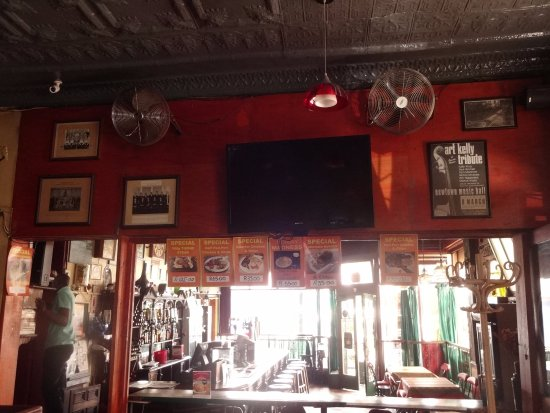 The Radium Beerhall : bar section