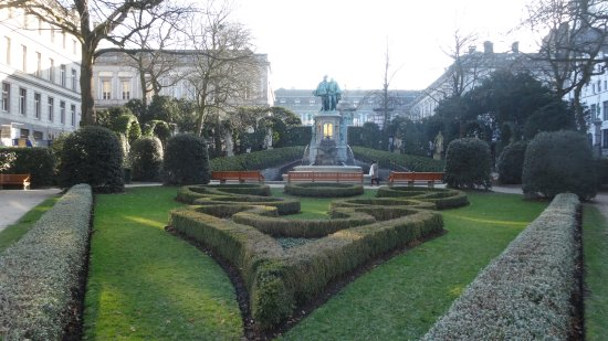 Jardin design - Picture of Jardin du Petit Sablon, Brussels ...