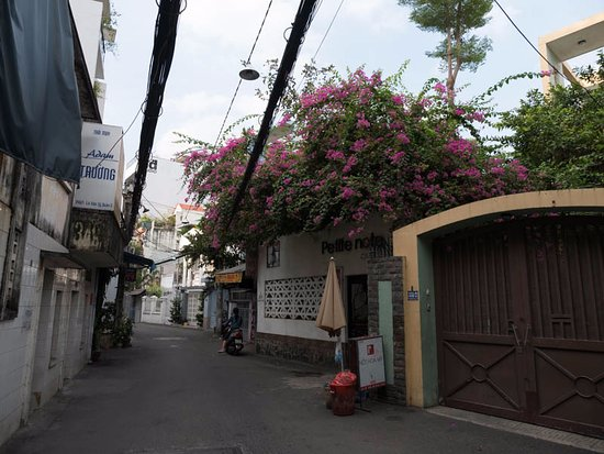 Ramana Hotel Saigon: ホテルから少し歩いた住宅街