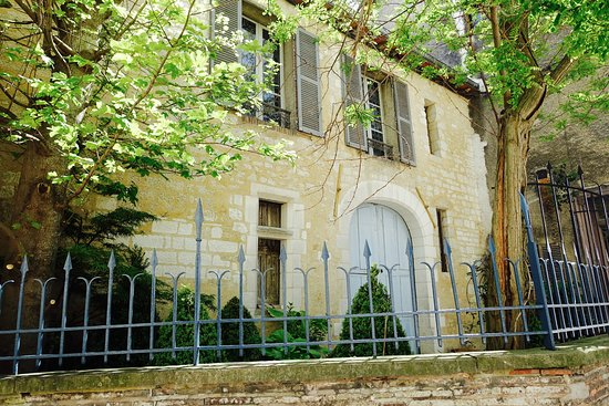 Le jardin de la cathedrale prices guesthouse reviews for Le jardin 2 0