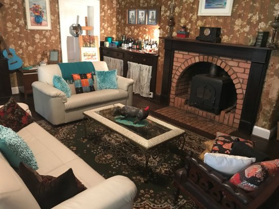 Manjimup, Australia: Redecorated lounge room
