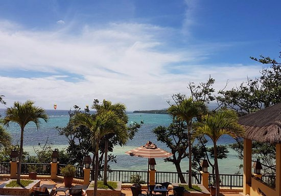 Palm Breeze Villa Boracay Hotel : This was the spectacular ocean view from our room.