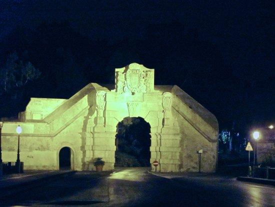 Augusta, Italie : porta spagnola