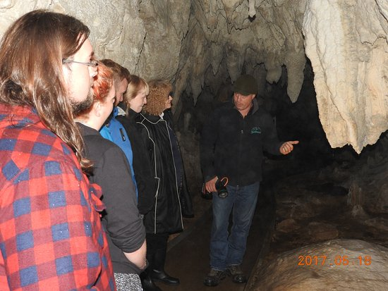 Spellbound Glowworm & Cave Tours : Because the group is small, the tour is very personal.