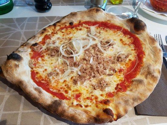 Thoiry, Francia: pizza thon