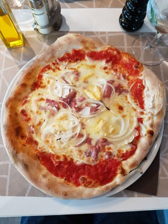 Thoiry, Francia: pizza