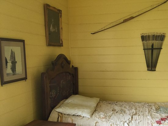 Robert Louis Stevenson Museum: Bedroom