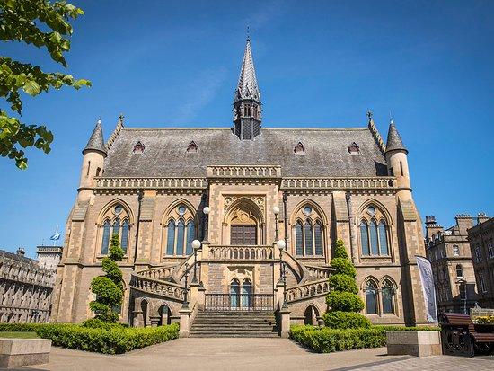 Dundee, UK: McManus Galleries