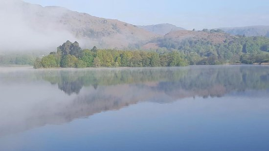 Banerigg Guest House: Mist over the lake - early morning