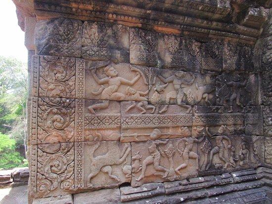 Angkor wat stone carvings รูปถ่ายของ