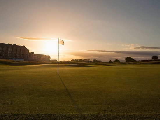 St. Andrews, UK: Sunset at The Old Course, St Andrews