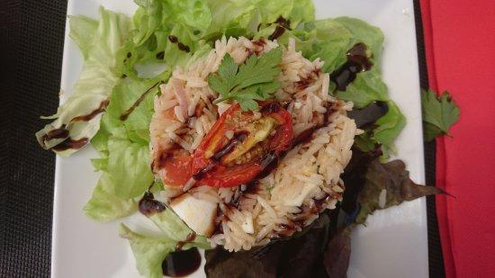 Brie-Comte-Robert, Frankrijk: Salade de riz en entrée et coquelet / PDT  Ds le menu du jour 👍