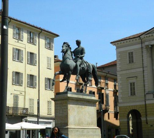 Piazza Mazzini (o del Cavallo)