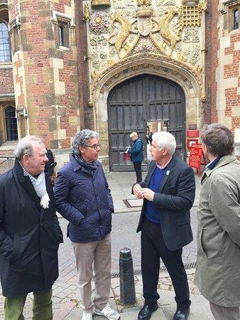 Cambridge Tour Guides: St John's College.
