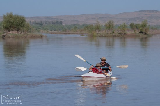 Richtersveld Transfrontier National Park, Sudáfrica: Having some fun on the Orange River