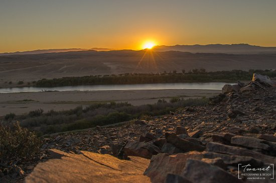 Richtersveld Transfrontier National Park, South Africa: Sunrise on the hill...20 min walk