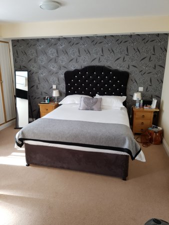 Briarfields: Beautiful Bedroom