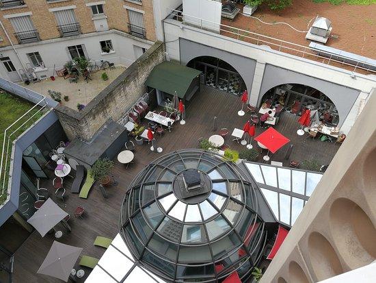 Ibis Tour Eiffel Cambronne: Terrasse extérieure