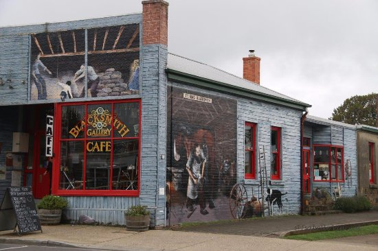 Sheffield, Australia: Painted wall of Black Smith Cafe