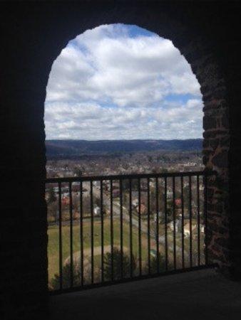 هامبتون إن آند سويتس جرينفيلد: View of Greenfield from Poets Tower