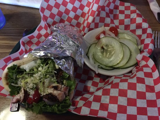 Chillicothe, OH: Chicken Gyro with Cucumber Salad