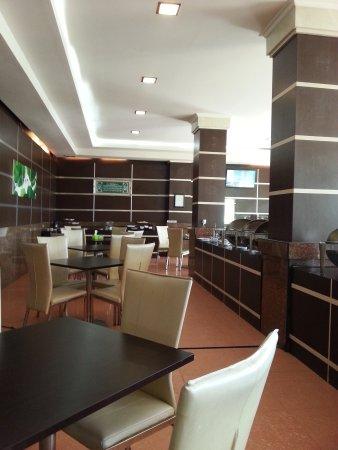 Zahra Syariah Hotel Kendari: 20170223_090444_large.jpg