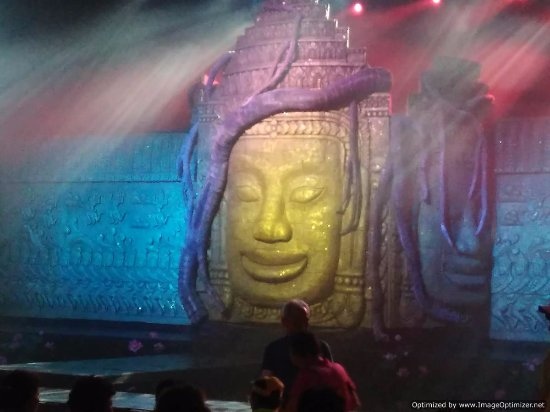 Smile of Angkor: the main stage