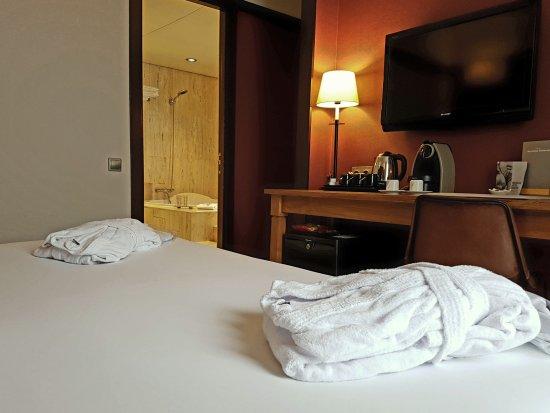 barcelona universal hotel 151 1 9 7 updated 2018. Black Bedroom Furniture Sets. Home Design Ideas