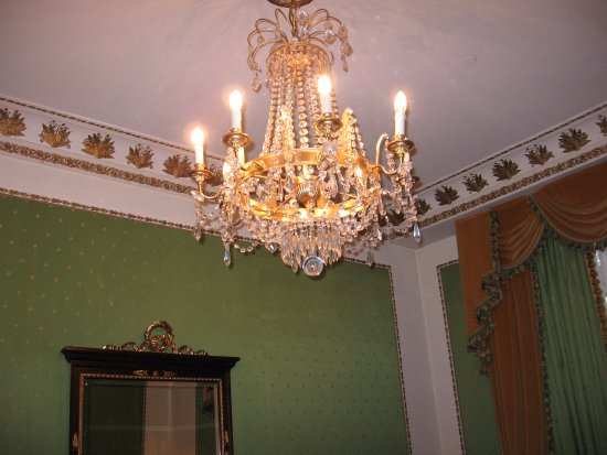 The Westin Excelsior, Rome: Beautiful chandelier in each room!