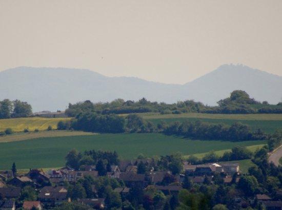 Mechernich, Duitsland: Vom Standort der Kapelle Blick auf das Siebengebirge.