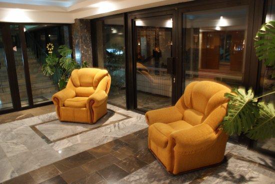 Hotel Vladikavkaz: холл на этаже