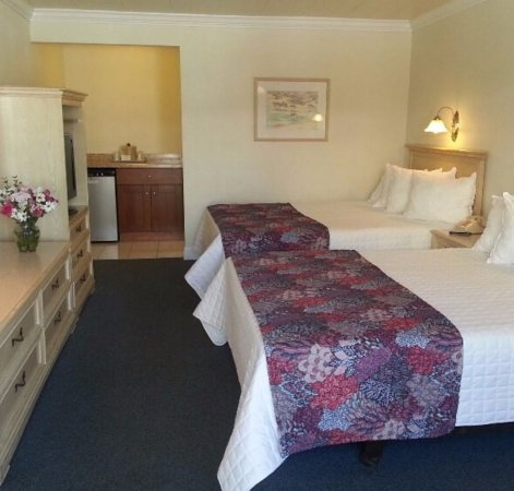 Pavilion Motor Lodge: A Variety of Fresh and Clean rooms to choose from to meet your needs.