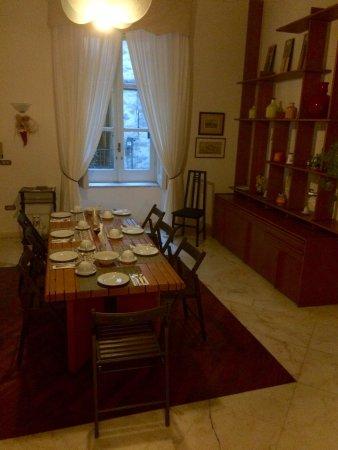 Palazzo Magnocavallo B&B : Ontbijtkamer