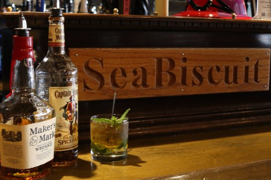 Seabiscuit Cafe : Your favorite place to stop for a cocktail