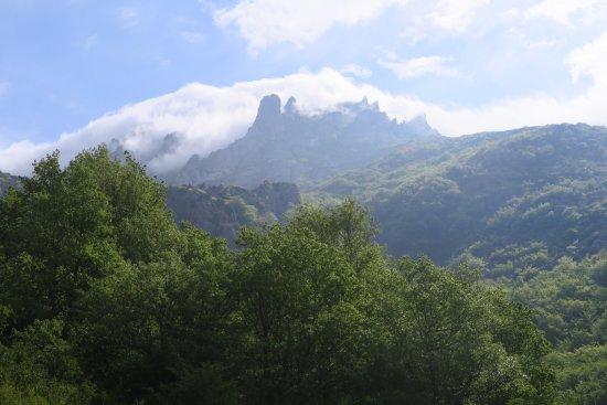Belvianes et Cavirac, Francja: A 35 min. de Maison Templaire, el misterioso pico Bugarach