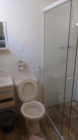 Carmo de Minas, MG: Banheiro do chalé