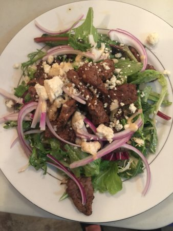 Terrebonne, OR : Tri-Tip Steak and Bleu Cheese Salad