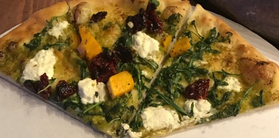 Terrebonne, OR : Special Veggie Pizza (pesto, goat cheese, arugula, sun dried tomato, butternut squash)