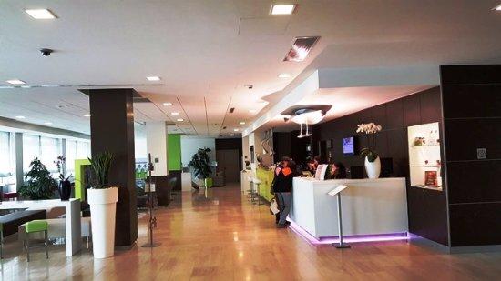 Mercure Venezia Marghera hotel: Zona de recepción