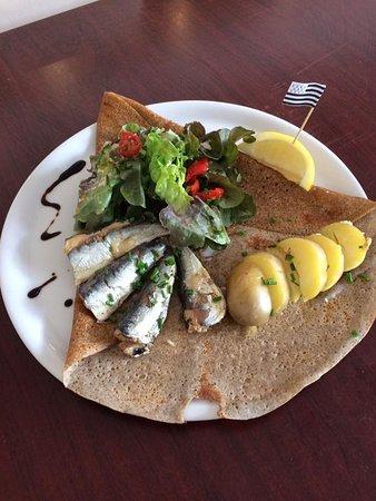 La galette La Turballe, avec ses sardines millésimées et pêchées à La Turballe.