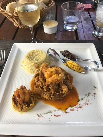 Chamarel: Superb prawn curry
