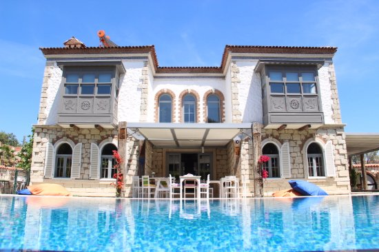 Leo alacati boutique hotel turkey lodge reviews for Design boutique hotel alacati