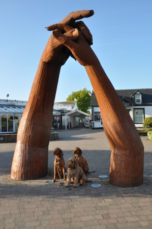 Gretna Green, UK: yes dogs want to pose too