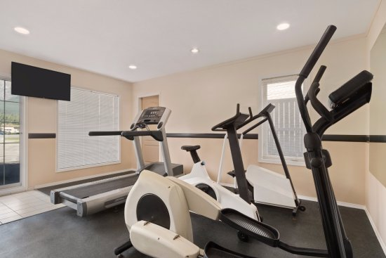 Days Inn Canmore: Fitness Facility