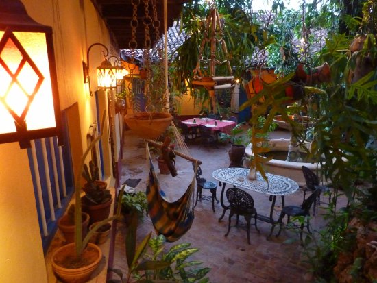 Hostal Casa Colonial el Patio: cour intérieure pour repas