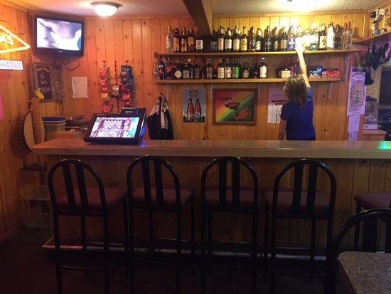 Cambridge, MN: Bar area