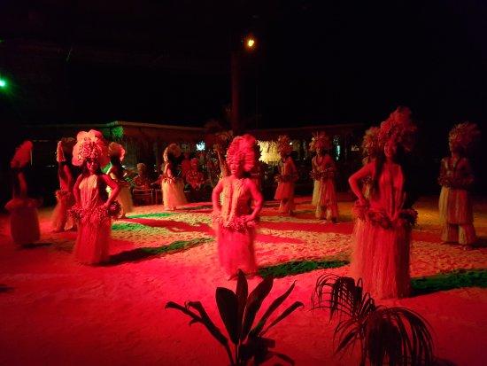 Moorea, French Polynesia: Très joli spéctacle professionnel