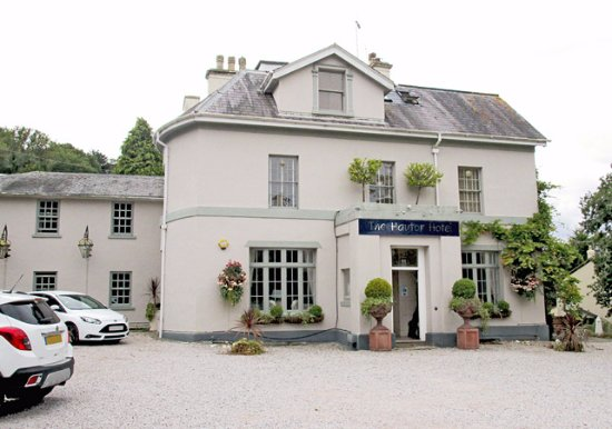 Haytor Hotel: The exterior