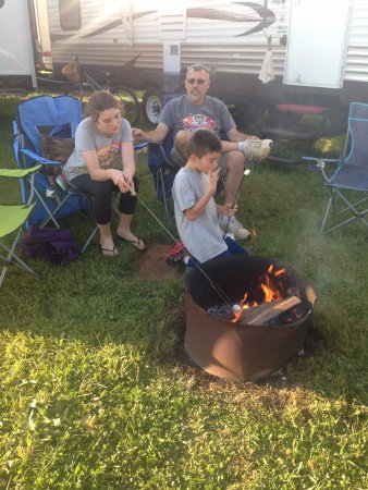 Lincoln, Алабама: Camp Fire Pit